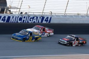 Todd Gilliland, Front Row Motorsports, Ford F-150 Speedco Chandler Smith, Kyle Busch Motorsports, Toyota Tundra JBL