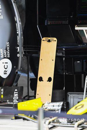 Renault F1 Team R.S.20 floor detail