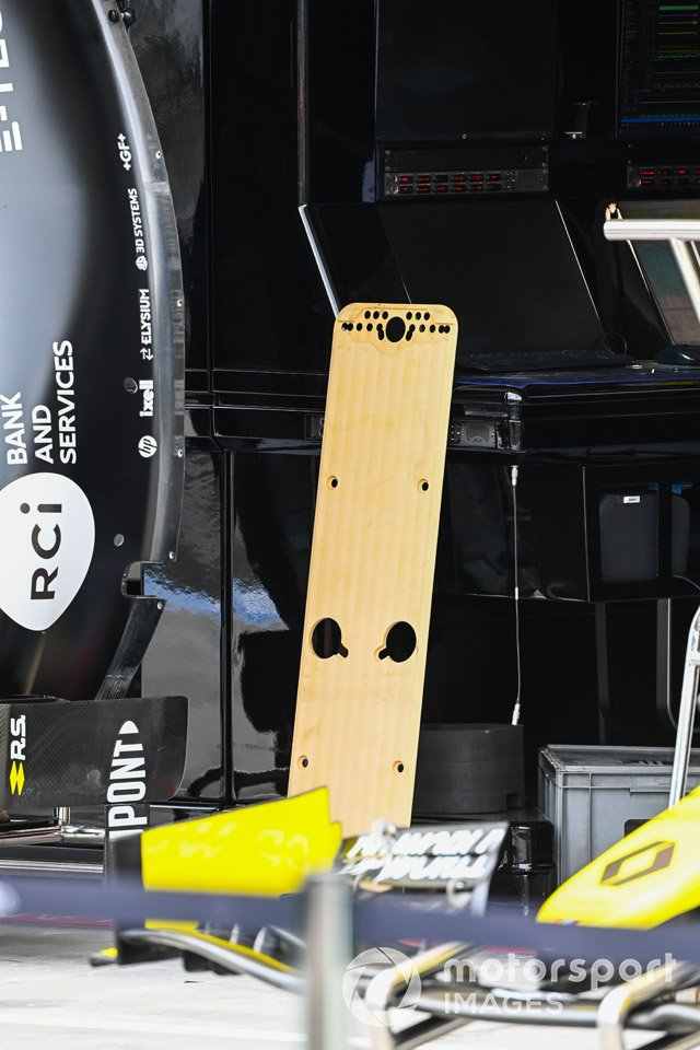 Renault F1 Team R.S.20 floor detail