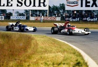 Jean-Pierre Beltoise, BRM P160B, Mike Hailwood, Surtees TS9B Ford