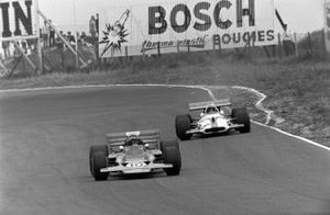 Jochen Rindt, Lotus 72C Ford leads George Eaton, BRM P153