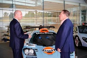 Mike Jones, PDG Gulf Oil International Ltd, Zak Brown, PDG McLaren Racing