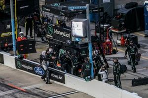 Austin Cindric, Team Penske, Ford Mustang MoneyLion crew celebra