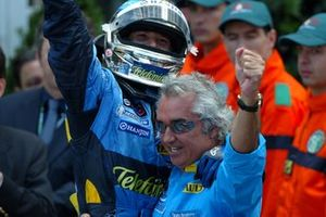 Race winner Jarno Trulli, Renault F1 Team with Flavio Briatore, Renault Team Principal