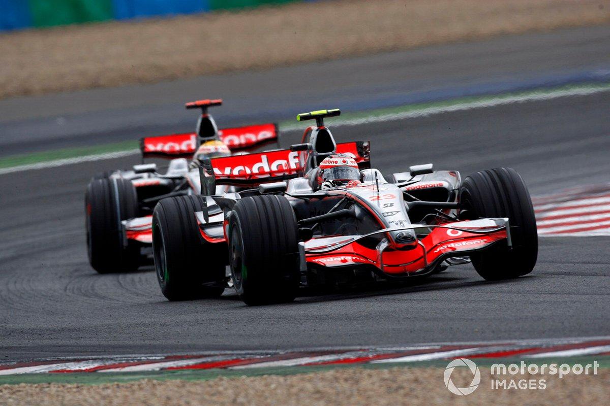 Heikki Kovalainen, McLaren MP4-23 Mercedes, Lewis Hamilton, McLaren MP4-23 Mercedes