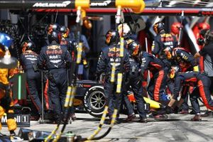 Max Verstappen, Red Bull Racing RB16, retires from the race