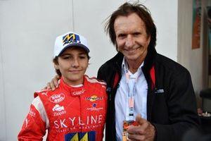Emerson Fittipaldi con su nieto Enzo Fittipaldi