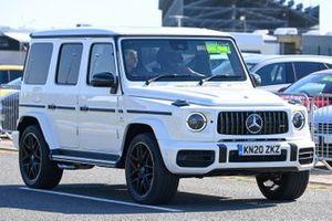 Lewis Hamilton, Mercedes-AMG F1, arrives