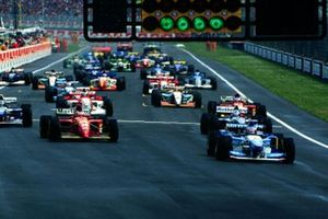 Michael Schumacher, Benetton B195 Renault, Gerhard Berger, Ferrari 412T2,, David Coulthard, Williams FW17 Renault, Damon Hill, Williams FW17 Renault, Jean Alesi, Ferrari 412T2,, Mika Hakkinen, McLaren MP4/10 Mercedes,, Eddie Irvine, Jordan 195 Peugeot, and Johnny Herbert, Benetton B195 Renault, at the start