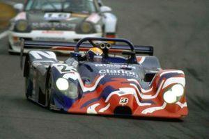 #23 Nissan Motorsports Nissan R391:Érik Comas, Satoshi Motoyama, Masami Kageyama