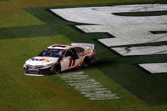 Denny Hamlin, Joe Gibbs Racing, Toyota Camry FedEx Express, burnout