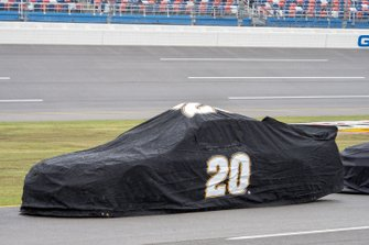 Erik Jones, Joe Gibbs Racing, Toyota Camry CRAFTSMAN rain delay