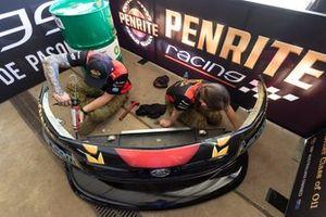 Mechanics of Anton De Pasquale, Erebus Motorsport Holden