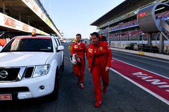 Sebastian Vettel, Ferrari coming back to the garage after stopping on track