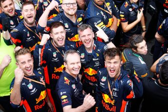 Red Bull mechanics celebrate victory