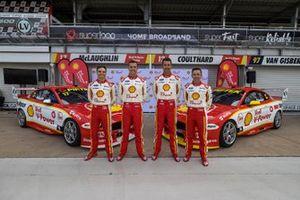 Gruppenfoto DJR Team Penske: Tim Slade, Scott McLaughlin, Fabian Coulthard, Tony D'Alberto