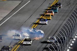 Ty Majeski, Niece Motorsports, Chevrolet Silverado Plan B Sales wrecks with Austin Wayne Self, AM Racing, Chevrolet Silverado AM Technical Solutions\GOTEXAN