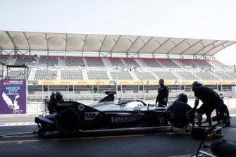 Nyck De Vries, Mercedes Benz EQ, EQ Silver Arrow 01 during a practic pit stop