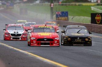 Скотт Маклафлин и Александр Према, DJR Team Penske, Ford Mustang GT, Дэвид Рейнольдс и Люк Юлден, Erebus Motorsport, Holden ZB Commodore