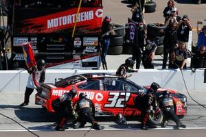 Corey LaJoie, Go FAS Racing, Ford Mustang Hertz pit stop