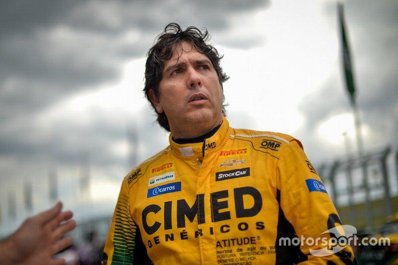 A paralisação por tempo indeterminado das atividades no Brasil certamente dará tempo a ele de tentar estar no grid quando o campeonato começar.