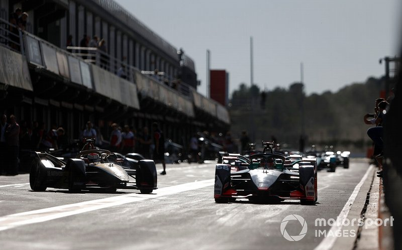 Daniel Abt, Audi Sport ABT Schaeffler, Audi e-tron FE06 Jean-Eric Vergne, DS TECHEETAH, DS E-Tense FE20 out of the pit ane