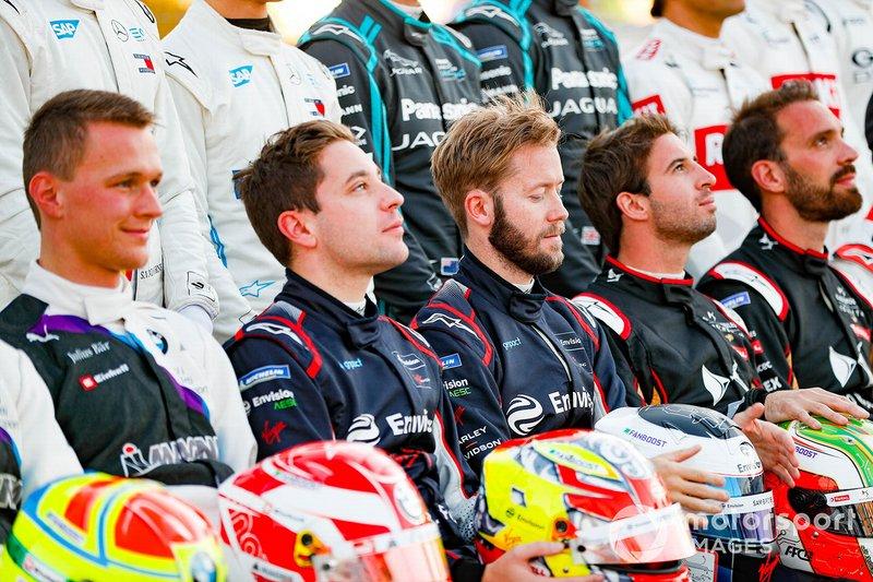 Robin Frijns, Virgin Racing, Sam Bird, Virgin Racing alla foto di gruppo dei piloti