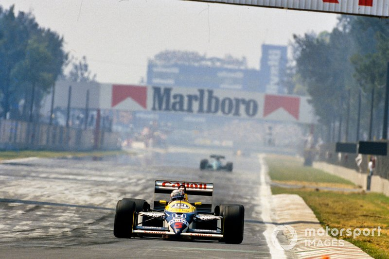 Nigel Mansell, Williams FW11B Honda, y Ivan Capelli, March 871 Ford