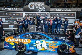 Race winner William Byron, Hendrick Motorsports, Chevrolet Camaro Axalta 'Color of the Year'
