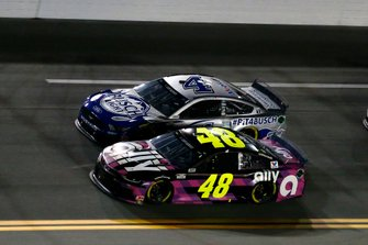 Jimmie Johnson, Hendrick Motorsports, Chevrolet Camaro Ally and Kevin Harvick, Stewart-Haas Racing, Ford Mustang Busch Light #PIT4BUSCH