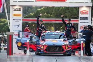1. Thierry Neuville, Nicolas Gilsoul, Hyundai Motorsport Hyundai i20 Coupe WRC