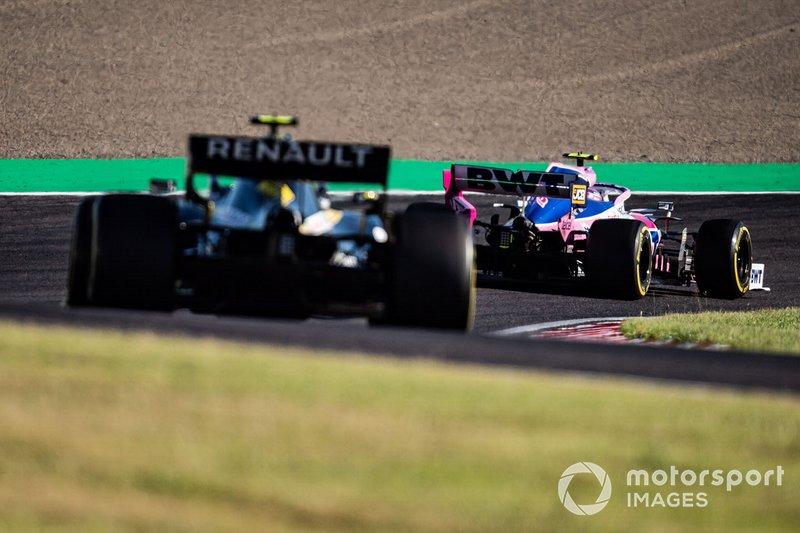 Lance Stroll, Racing Point RP19, precede Nico Hulkenberg, Renault F1 Team R.S. 19