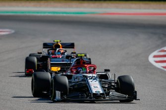 Antonio Giovinazzi, Alfa Romeo Racing C38, leads Alex Albon, Red Bull Racing RB15
