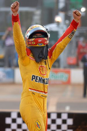 Yarış galibi Joey Logano, Team Penske, Ford Mustang Shell Pennzoil