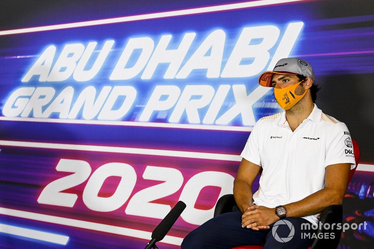 Carlos Sainz Jr., McLaren, en rueda de prensa