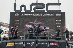 Podium: Manufactures Champion Hyundai Motorsport