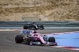 Sergio Perez, Racing Point RP20, Valtteri Bottas, Mercedes F1 W11
