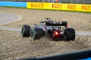 Valtteri Bottas, Mercedes F1 W11 goes off into the gravel