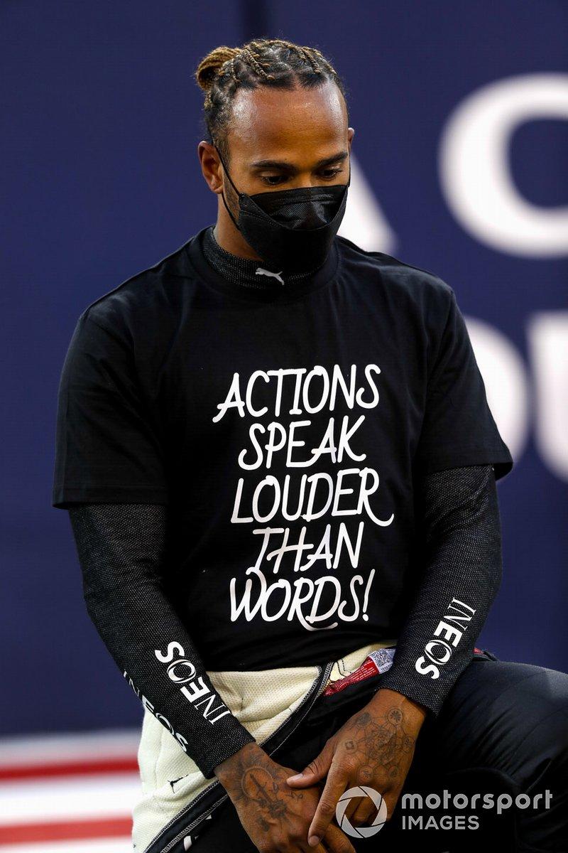 Lewis Hamilton, Mercedes se pone de rodillas