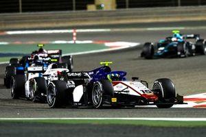 Guilherme Samaia, Charouz Racing System, leads Ralph Boschung, Campos Racing