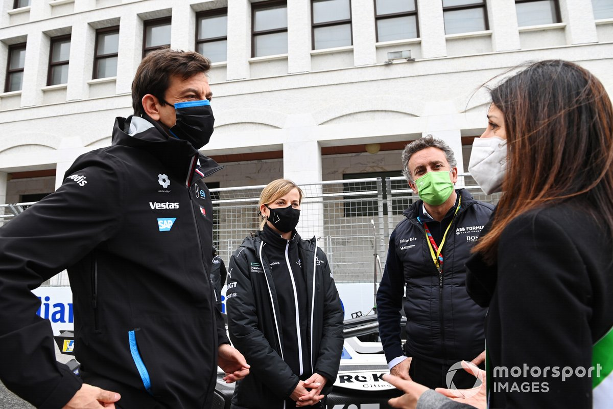 Alcaldesa de Roma Virginia Raggi, Toto Wolff, Team Principal, CEO, Mercedes AMG, Susie Wolff, Team Principal, Venturi, Alejandro Agag, presidente de la Formula E