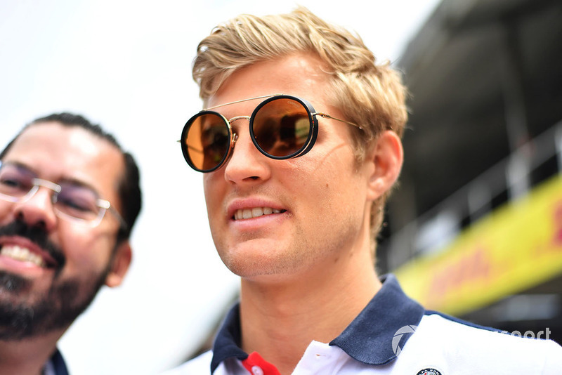 Marcus Ericsson, Sauber with fans