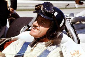 Le vainqueur Graham Hill, Lola T90 Ford