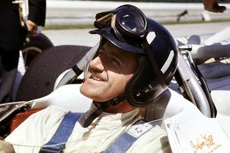 Yarış galibi Graham Hill, Lola T90 Ford