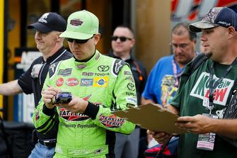 Kyle Busch, Joe Gibbs Racing, Toyota Camry Interstate Batteries with fans