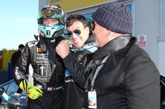 Lamborghini Huracan Super Trofeo Evo #102, Dream Racing Motorsport: Ryan Hardwick, festeggia la vittoria nel parco chiuso