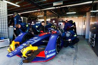 Sam Bird, Envision Virgin Racing, Audi e-tron FE05, in his garage