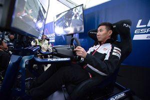 Kamui Kobayashi, Toyota Gazoo Racing sur un simulateur