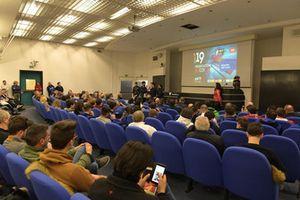 Atmosfera durante la presentazione