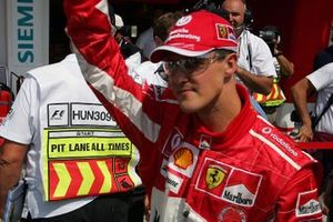 Michael Schumacher, Ferrari takes pole